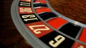 Κινούμενο μήκος σε πόδηα χαρτοπαικτικών λεσχών μηχανών ροδών ρουλετών απόθεμα βίντεο
