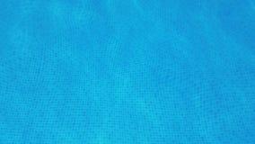 Κινούμενο νερό σε μια πισίνα απόθεμα βίντεο