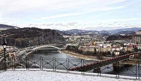 Κινούμενο τραίνο από την κορυφαία διάβαση Στοκ Φωτογραφίες