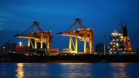 Κινούμενο φορτίο φορτηγών πλοίων φιλμ μικρού μήκους