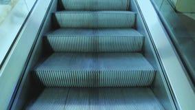 Κινώντας την κυλιόμενη σκάλα επάνω, mecanic, απόθεμα βίντεο