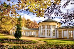 Κιονοστοιχία άνοιξη του Ferdinand - Marianske Lazne - Δημοκρατία της Τσεχίας Στοκ εικόνα με δικαίωμα ελεύθερης χρήσης