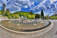 Κιονοστοιχία της Δημοκρατίας της Τσεχίας ανοίξεων Karolina το Μάιο - Marianske Lazne - Στοκ φωτογραφία με δικαίωμα ελεύθερης χρήσης