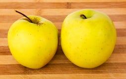 Κιτρινοπράσινα μήλα Στοκ Εικόνες
