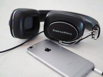 Κιόσκι & Wilkins P7 & Iphone 6 Στοκ εικόνα με δικαίωμα ελεύθερης χρήσης