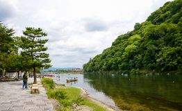 Κιότο, Ιαπωνία - 24 Ιουλίου 2016 Ποταμός Katsura στην περιοχή Arashiyama του Κιότο, Ιαπωνία Στοκ Φωτογραφίες
