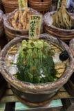 Κιότο, Ιαπωνία, συντηρημένα λαχανικά για την πώληση στο Nishiki marke Στοκ Εικόνες