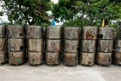 Κλίβανος ξυλάνθρακα, σύνολο μεγάλων κλιβάνων μετάλλων ή κινητή σειρά αποτεφρωτήρων στοκ εικόνα με δικαίωμα ελεύθερης χρήσης