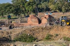 Κλίβανος τούβλου και περιοχή Ινδία κατασκευής τούβλου στοκ εικόνα