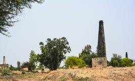 Κλίβανος τούβλων στην αγροτική περιοχή στοκ φωτογραφίες