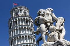 Κλίνοντας πύργος της Πίζας - της Πίζας - της Ιταλίας στοκ εικόνα με δικαίωμα ελεύθερης χρήσης