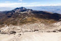 Κλίσεις του ηφαιστείου Guagua Pichincha που κατεβαίνουν προς Στοκ φωτογραφία με δικαίωμα ελεύθερης χρήσης