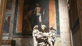 Κλίση επάνω στον πυροβολισμό ενός αγάλματος του αγγέλου και μιας ζωγραφικής στο Pantheon φιλμ μικρού μήκους