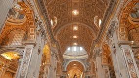 Κλίση επάνω στον πυροβολισμό του σηκού και του εσωτερικού της βασιλικής Αγίου Peter, Ρώμη φιλμ μικρού μήκους