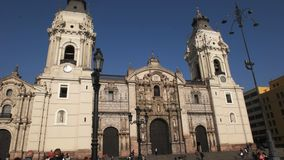 Κλίση κάτω από τον πυροβολισμό του καθεδρικού ναού της Λίμα στο Περού φιλμ μικρού μήκους