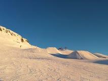 Κλίση σκι και κεκλιμένες ράμπες σκι σε Davos, Ελβετία στοκ φωτογραφία με δικαίωμα ελεύθερης χρήσης