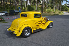 Κλασικά αμερικανικά αυτοκίνητα (καυτή ράβδος 1932 διάβασης) Στοκ φωτογραφία με δικαίωμα ελεύθερης χρήσης