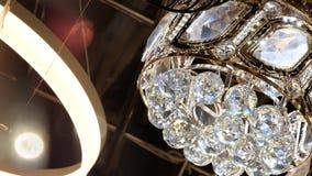 Κλασικός λαμπρός πολυέλαιος διαμαντιών απόθεμα βίντεο