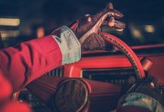 Κλασικός οδηγός αυτοκινήτων Στοκ Φωτογραφίες