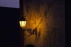 κλασικός φωτεινός σηματοδότης στην οικοδόμηση στοκ φωτογραφίες με δικαίωμα ελεύθερης χρήσης
