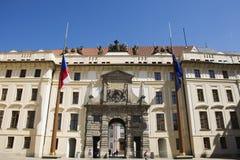 Κλασικό αναδρομικό κτήριο για την επίσκεψη και το ταξίδι στο κάστρο της Πράγας, Δημοκρατία της Τσεχίας Στοκ φωτογραφίες με δικαίωμα ελεύθερης χρήσης