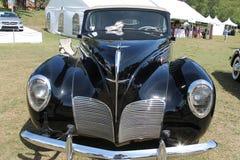 Κλασικό αυτοκίνητο πολυτέλειας του Λίνκολν στον τομέα Στοκ εικόνες με δικαίωμα ελεύθερης χρήσης