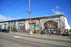 Κλασικό κατάστημα επίπλων οικοδόμησης στο θαλάσσιο δρόμο πεζουλιών στο λιμάνι Fremantle στο Περθ, Αυστραλία στοκ φωτογραφία