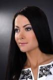 Κλασικό πορτρέτο του νέου brunette Στοκ φωτογραφία με δικαίωμα ελεύθερης χρήσης
