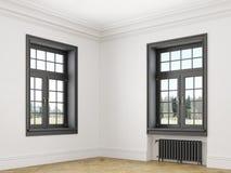 Κλασικό Σκανδιναβικό άσπρο κενό εσωτερικό με τα παράθυρα, τις μπαταρίες παρκέ και θέρμανσης Άποψη γωνιών Στοκ Φωτογραφίες