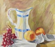 Κλασσική ακόμα ζωή με τα φρούτα και την κανάτα Στοκ εικόνα με δικαίωμα ελεύθερης χρήσης