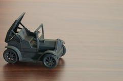 Κλασσικό πρότυπο αυτοκινήτων στον ξύλινο πίνακα Στοκ φωτογραφίες με δικαίωμα ελεύθερης χρήσης