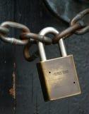 κλείδωμα αλυσίδων Στοκ εικόνες με δικαίωμα ελεύθερης χρήσης
