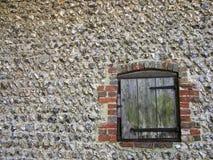 κλείνω με παντζούρια παράθ Στοκ φωτογραφία με δικαίωμα ελεύθερης χρήσης