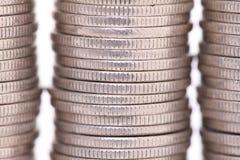 Κλείστε αυξημένος συσσωρευμένων ιαπωνικών 100 νομισμάτων γεν στοκ εικόνες