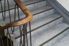 Κλείστε αυξημένος της εκλεκτής ποιότητας σκάλας στο ελάχιστο ύφος Στοκ εικόνα με δικαίωμα ελεύθερης χρήσης