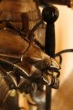 Κλείστε επάνω ενός γαντιού από ένα παλαιό τεθωρακισμένο ιπποτών στοκ φωτογραφία