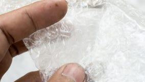 Κλείστε επάνω τα άσπρα αγαθά προστασίας στρεβλώσεων αεροφυσαλίδων Στοκ φωτογραφία με δικαίωμα ελεύθερης χρήσης