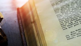 Κλείστε επάνω της παλαιάς ζωτικότητας βιβλίων απεικόνιση αποθεμάτων