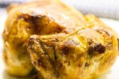 Κλείστε επάνω τη λεπτομέρεια ενός ψημένου κοτόπουλου Στοκ Εικόνα
