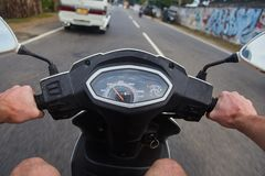 Κλείστε επάνω τη φωτογραφία του speedo ποδηλάτων στοκ εικόνες