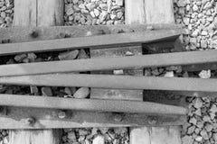 Κλείστε επάνω τη φωτογραφία των διαδρομών τραίνων στο στρατόπεδο συγκέντρωσης Auschwitz Birkenau Στοκ Εικόνες
