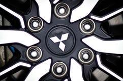 Κλείστε επάνω τη aotomobile ρόδα της Mitsubishi Στοκ Φωτογραφία