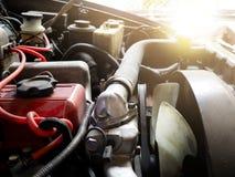 Κλείστε επάνω τις λεπτομέρειες της μηχανής αυτοκινήτων Στοκ Φωτογραφία