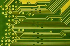 Κλείστε επάνω του έγχρωμου πίνακα κυκλωμάτων μικροϋπολογιστών αφηρημένη τεχνολογία ανα&sigm Μηχανισμός υπολογιστών λεπτομερώς Στοκ εικόνα με δικαίωμα ελεύθερης χρήσης