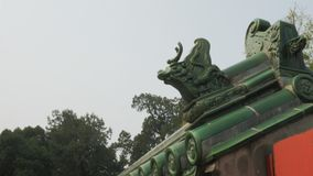 Κλείστε επάνω του ζωικού κεραμιδιού στεγών στο ναό του ουρανού, Πεκίνο απόθεμα βίντεο