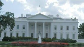 Κλείστε επάνω του Λευκού Οίκου στην Ουάσιγκτον από το βόρειο χορτοτάπητα απόθεμα βίντεο