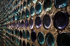 Κλείστε επάνω του σπιτιού μπουκαλιών Rhyolite Navada, κοιλάδα θανάτου Στοκ Εικόνα