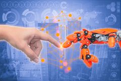 Κλείστε επάνω το ανθρώπινο δάχτυλο ρομπότ αφής δάχτυλων όπως τη δημιουργία του Adam ελεύθερη απεικόνιση δικαιώματος