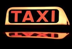 κλείστε το ταξί σημαδιών &epsilon Στοκ Εικόνα