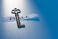 Κλειδί για την ειρήνη Στοκ φωτογραφία με δικαίωμα ελεύθερης χρήσης
